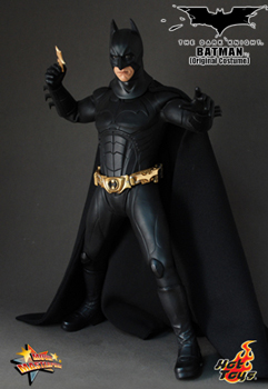 Hot Toys The Dark Knight 12-Inch 1/6th Scale Batman Original Version